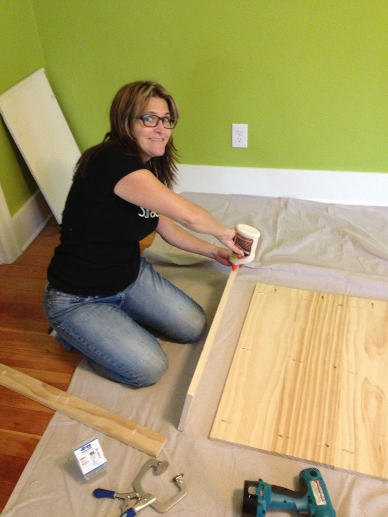 Kreg Jig and Gluing the headboard pieces